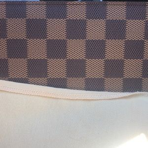 Louis Vuitton wallet condition 9/10